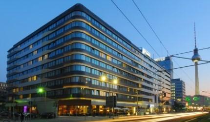 H4 Hotel Berlin Alexanderplatz Außenansicht