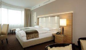Zimmer H4 Hotel Berlin Alexanderplatz